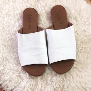 Bueno Soft White Leather Turner Slide Sandals